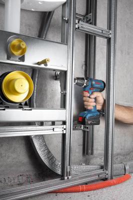 Профессиональная дрель-шуруповерт Bosch GSR 14,4-2 Professional (0.601.918.G20) - в работе