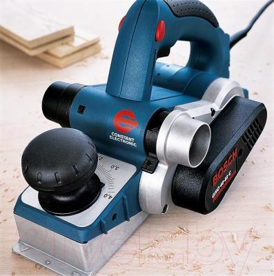 Профессиональный электрорубанок Bosch GHO 40-82 С Professional (0.601.59A.760) - в работе