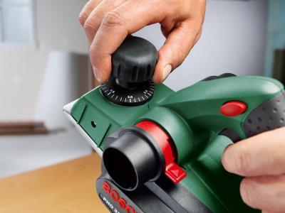 Электрорубанок Bosch PHO 3100 (0.603.271.120) - в работе