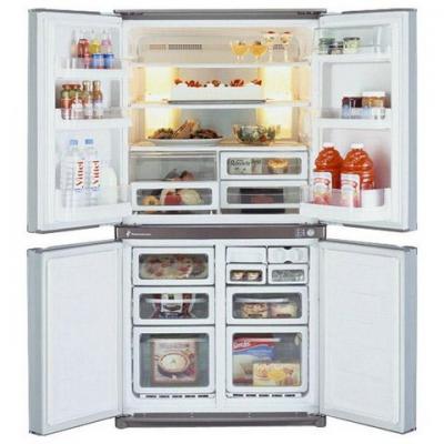 Холодильник с морозильником Sharp SJ-F72PCBE - внутренний вид