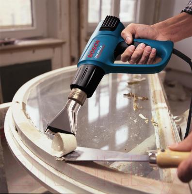 Профессиональный строительный фен Bosch GHG 660 LСD (0601944302) - в работе