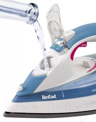 Утюг Tefal FV 5350 - отверстие добавления воды