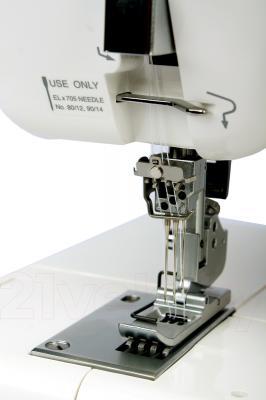 Распошивальная машина Janome CoverPro II - рабочая поверхность