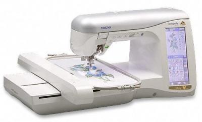 Швейно-вышивальная машина Brother INNOV-'IS 4000 - вид спереди