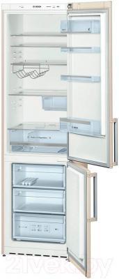 Холодильник с морозильником Bosch KGE39AK22R - внутренний вид