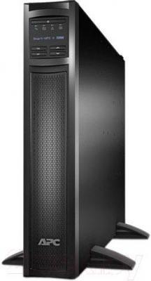 ИБП APC Smart-UPS X 3000VA Rack/Tower LCD 200-240V (SMX3000RMHV2U) - в вертикальном положении