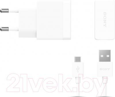 Сетевое зарядное устройство Sony EP881 (белый) - общий вид