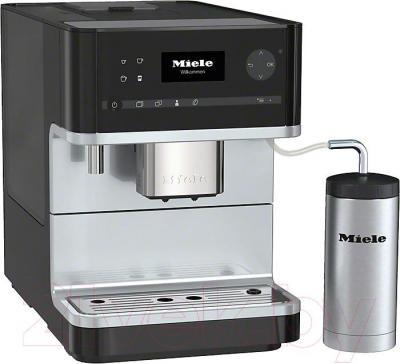 Кофемашина Miele CM 6310 OBSW (черный обсидиан) - металлический уголок к трубке подачи молока не входит в комплект, приобретается отдельно.