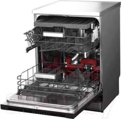 Посудомоечная машина Whirlpool ADP 860 IX - вид с открытой дверцей