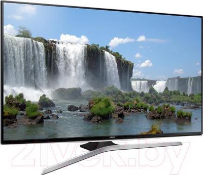 Телевизор Samsung UE40J6300AU - вполоборота
