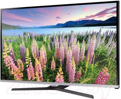 Телевизор Samsung UE48J5100AU - вполоборота