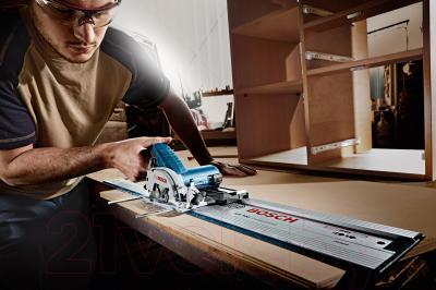 Профессиональная дисковая пила Bosch GKS 10.8 V-LI Professional (0.601.6A1.001) - в работе
