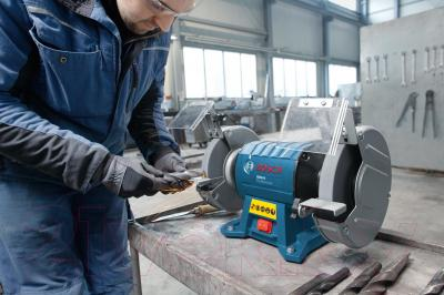 Профессиональный точильный станок Bosch GBG 8 Professional (0.601.27A.100) - в работе