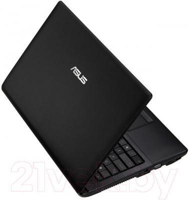 Ноутбук Asus X54L-SX033D - вид сзади