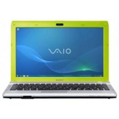 Ноутбук Sony VAIO VPCYB3Q1R/G - спереди