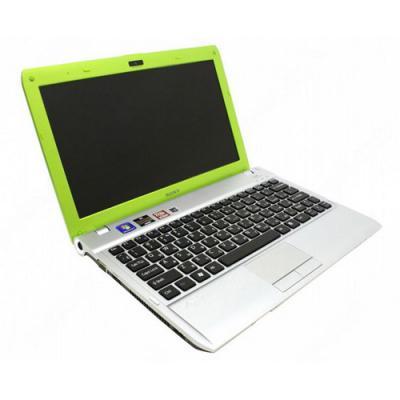 Ноутбук Sony VAIO VPCYB3Q1R/G - сбоку открытый