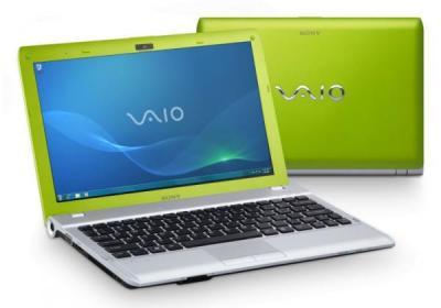 Ноутбук Sony VAIO VPCYB3Q1R/G - спереди и сзади