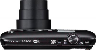 Компактный фотоаппарат Nikon Coolpix S3700 (черный) - вид сверху: объектив в положении макс. зума