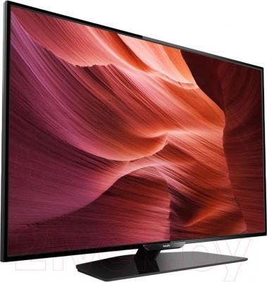 Телевизор Philips 40PFT5300/60 - вполоборота