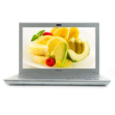 Ноутбук Sony VAIO VPCSB3M1R/W - спереди