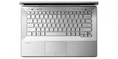 Ноутбук Sony VAIO VPCSB3M1R/W - сверху открытый