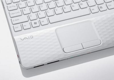 Ноутбук Sony VAIO VPCEH2L1R/W - клавиатура