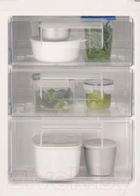 Холодильник с морозильником Electrolux ENN92811BW