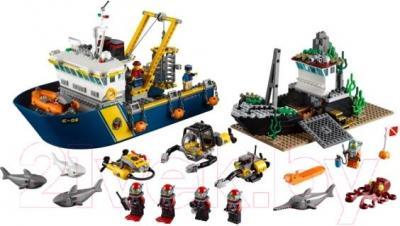 Конструктор Lego City Корабль исследователей морских глубин (60095) - общий вид
