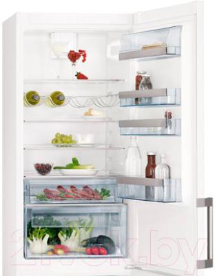 Холодильник с морозильником AEG S96391CTW2