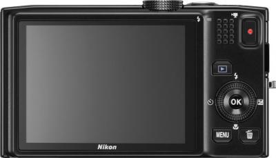 Компактный фотоаппарат Nikon Coolpix S8200 (Black) - вид сзади