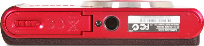 Компактный фотоаппарат Samsung ST76 (EC-ST76ZZBPRRU) Red - вид снизу