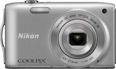 Компактный фотоаппарат Nikon Coolpix S3300 (Silver) - вид спереди