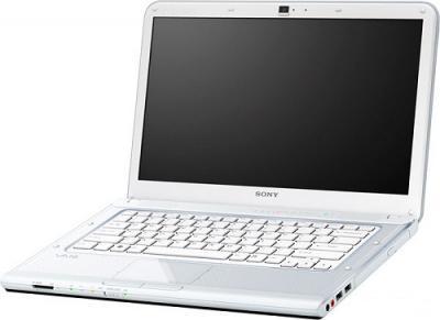 Ноутбук Sony VAIO VPCCA4S1R/W - Вид спереди
