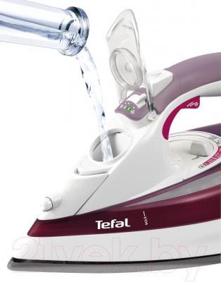 Утюг Tefal FV 5333 - отверстие для залива воды