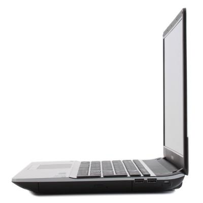 Ноутбук Samsung 300E7A (NP-300E7A-S0BRU) - сбоку
