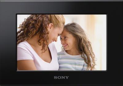 Цифровая фоторамка Sony DPF-C70A - вид спереди