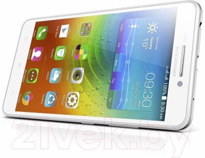 Смартфон Lenovo A5000 (белый)
