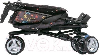 Детская прогулочная коляска Geoby D888 (WZZB) - в сложенном виде