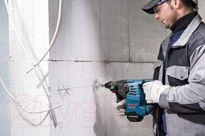 Профессиональный перфоратор Bosch GBH 3-28 DRE Professional (0.611.23A.000) - в работе