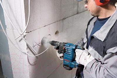 Профессиональный перфоратор Bosch GBH 3-28 DFR Professional (0.611.24A.000) - в работе