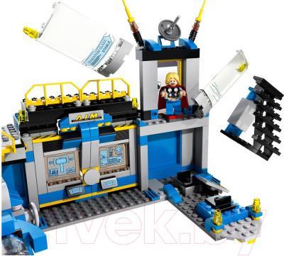 Конструктор Lego Super Heroes Разгром лаборатории Халка (76018)