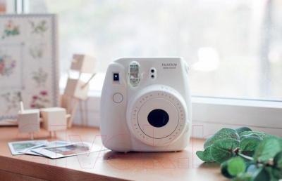 Фотоаппарат с мгновенной печатью Fujifilm Instax Mini 8 (белый)