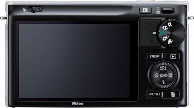 Беззеркальный фотоаппарат Nikon 1 J1 Kit 10-30mm Black - вид сзади