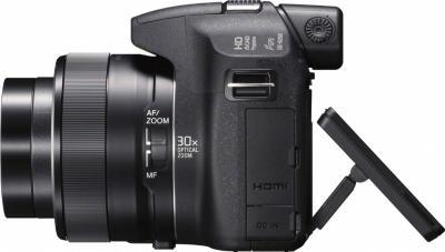 Компактный фотоаппарат Sony Cyber-shot DSC-HX200 - вид сбоку