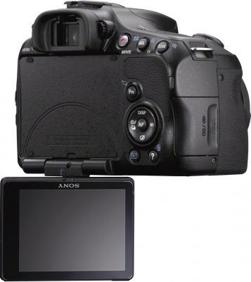Зеркальный фотоаппарат Sony Alpha SLT-A57K - вид сзади: поворотный экран