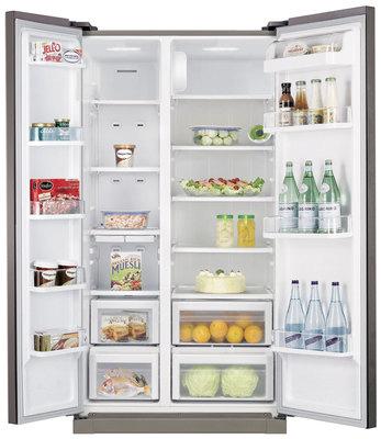Холодильник с морозильником Samsung RSA1NHMG1 - с открытыми дверьми