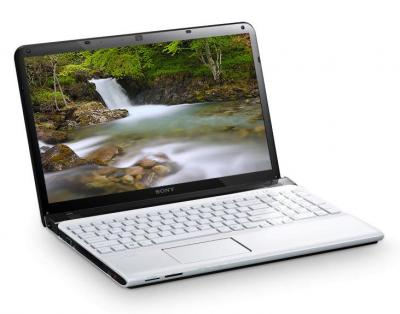 Ноутбук Sony VAIO  SVE1411E1RW - фронтальный вид