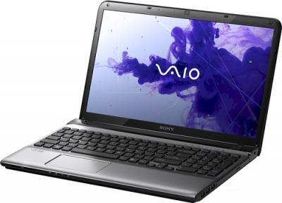 Ноутбук Sony SVE1511X1RSI - Вид спереди сбоку