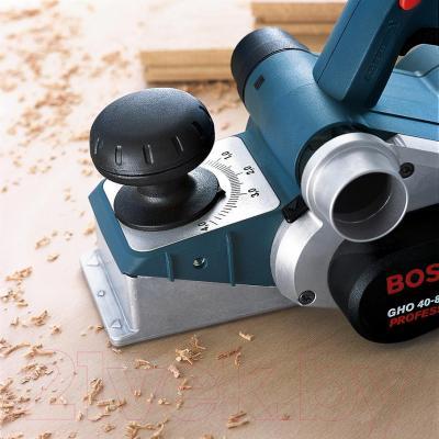Профессиональный электрорубанок Bosch GHO 40-82 C Professional (0.601.59A.76A) - в работе