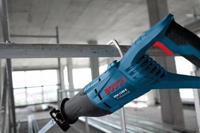 Профессиональная сабельная пила Bosch GSA 1100 E Professional (0.601.64C.800) - в работе